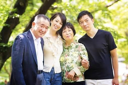 asian-family 1